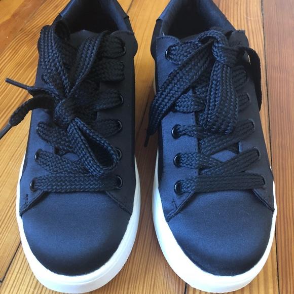 be0fc35f80f Bertie Black Steve Madden Sneakers